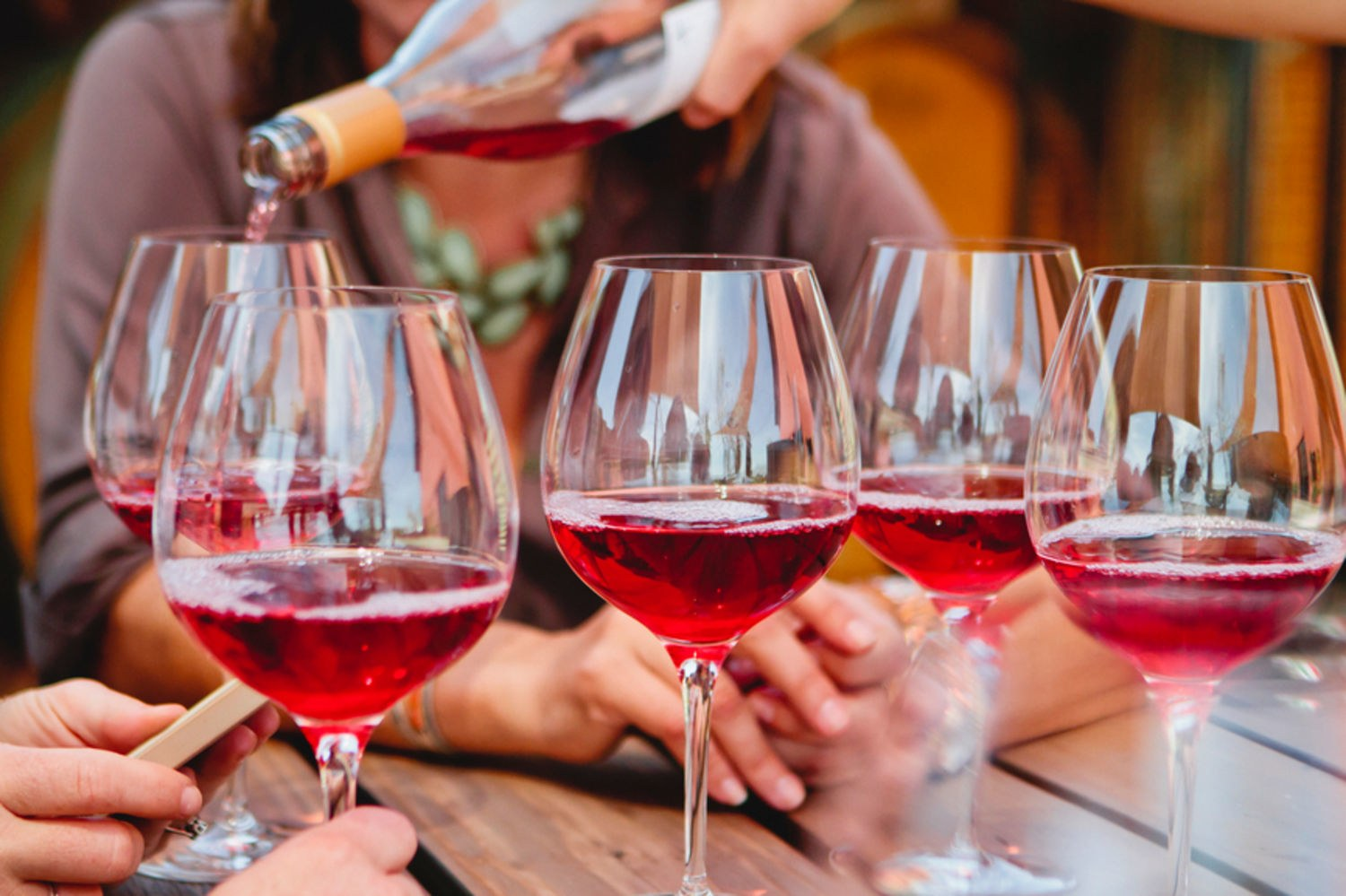 How to taste and smell wine : Taberna Wine Academy